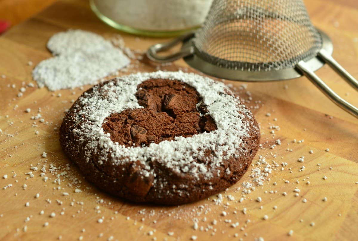 pastries_bake_sweet_brownie_icing_sugar_baked_bake_your_own_small_cakes-878959 (1)_1.jpg